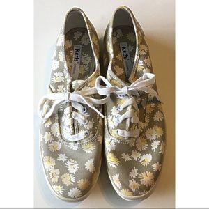 Keds Lace Up Shoe Floral Flowers sz 8 39